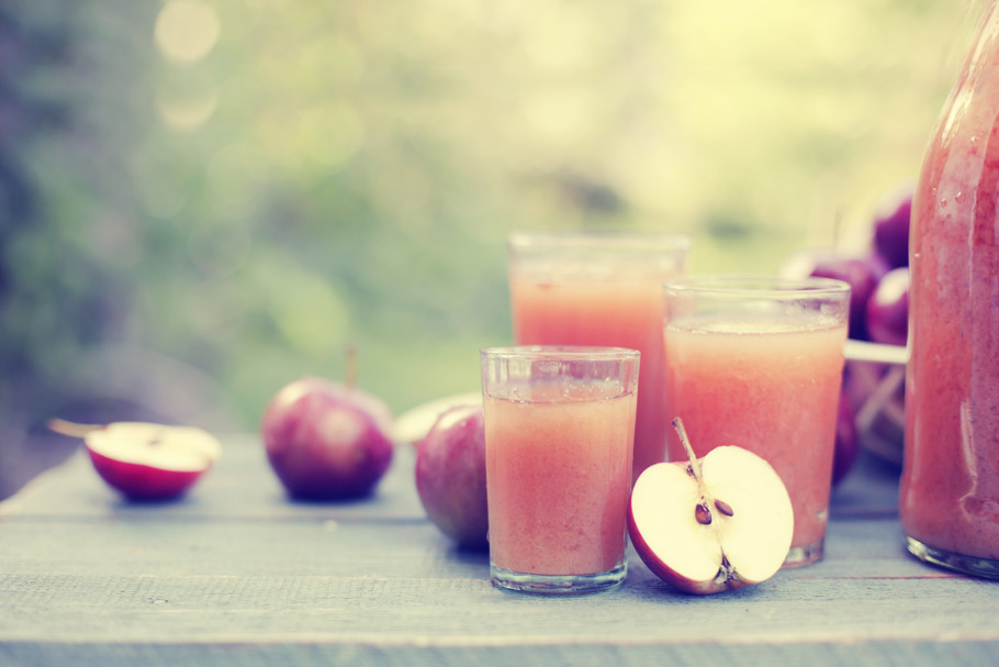 Sok jabłkowy z cynamonem i imbirem