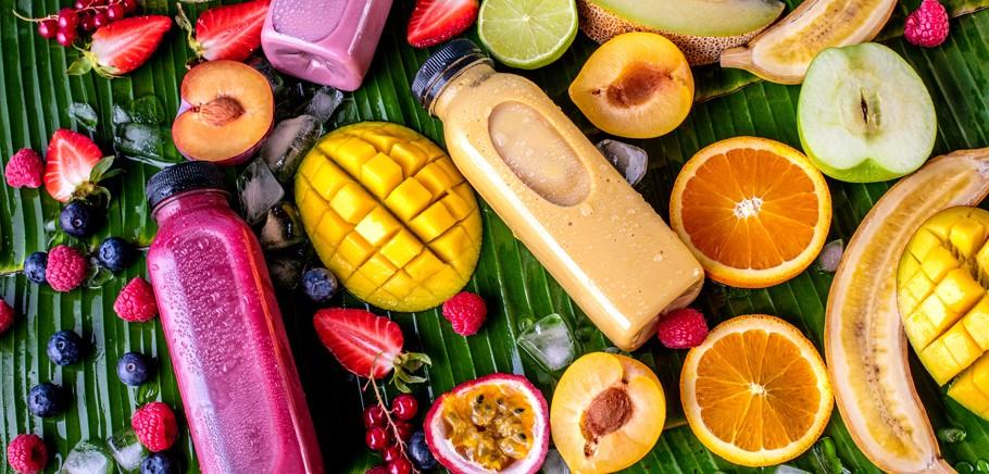 4 pomysły na pyszne koktajle owocowe do pracy